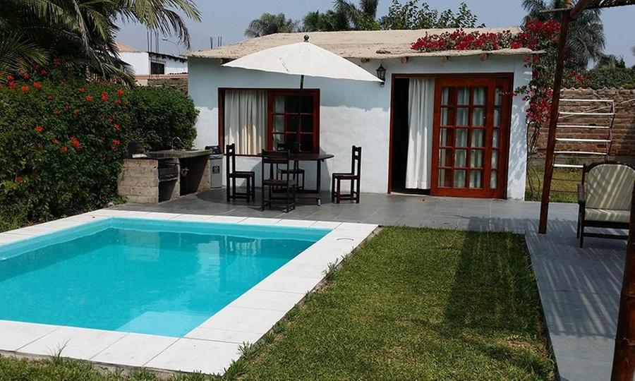 Villa Loka: Cieneguilla: 1 o 2 noches para dos en bungalow con piscina privada en Villa Loka