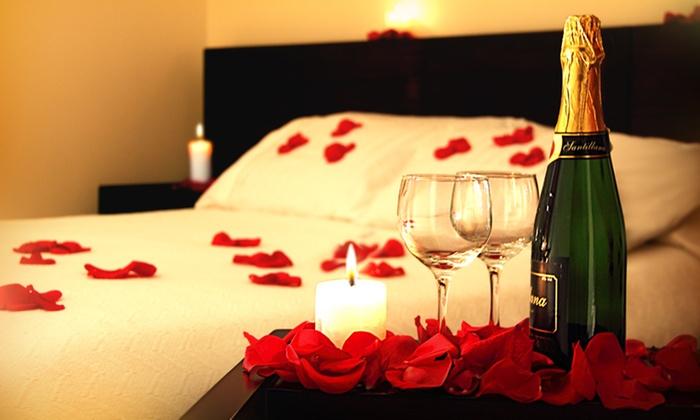 Hotel cali plaza rnt 27574 groupon del d a groupon - Decoracion noche romantica ...