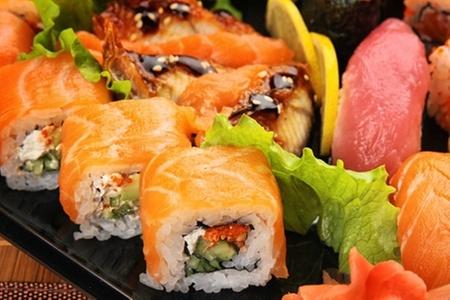 Patagonia Laitec: Paga desde $8.600 por 50 u 82 piezas de sushi en Patagonia Laitec