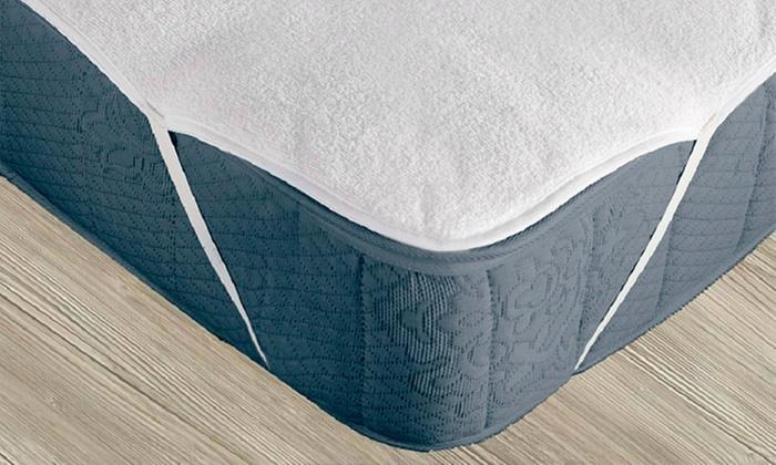 Shopping México: Protector de colchón impermeable y antibacterial en tamaño a elegir. Incluye envío