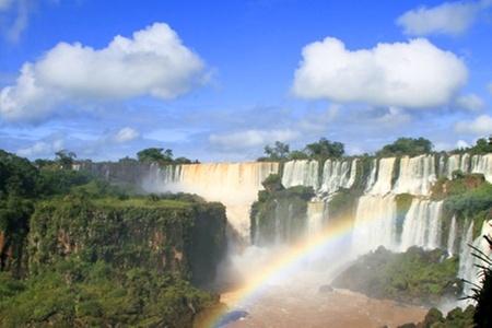 Groupon Travel (Foz de Iguazú): Vuela a Foz de Iguazú: 3 noches para dos pagando desde $235.000 por persona + aéreos + traslados + desayunos + visitas y excursiones. Elige hotel y fecha de salida