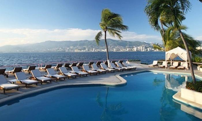 : $2,963 en vez de $5,926 por 2 noches para dos en habitación con alberca privada + desayuno en Hotel Las Brisas Acapulco