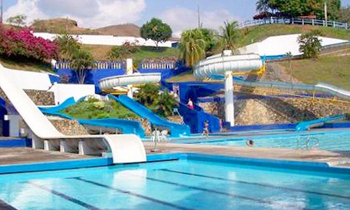 Hotel y parque acuatico agua sol alegria rnt 14011 for Toboganes de piscina