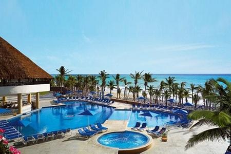 Groupon Travel (Playa del Carmen): Fiestas patrias en Playa del Carmen: 7 noches en plan doble o familiar en el Hotel Viva Wyndham Maya con sistema all inclusive + traslados + aéreos pagando desde $779.000 por persona