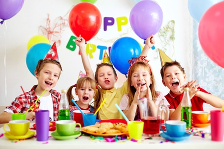 Infla Tu Mundo: Desde $25.000 por juego inflable + pintacaritas + globoflexia a domicilio para cumpleaños con 12 o 25 niños en Infla Tu Mundo