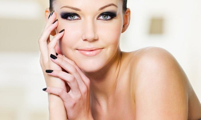 Siluet - Siluet: Paga desde $6.000 por manicure completa + tratamiento de parafina para manos con opción a hidratación facial en Siluet (hasta 81% off)