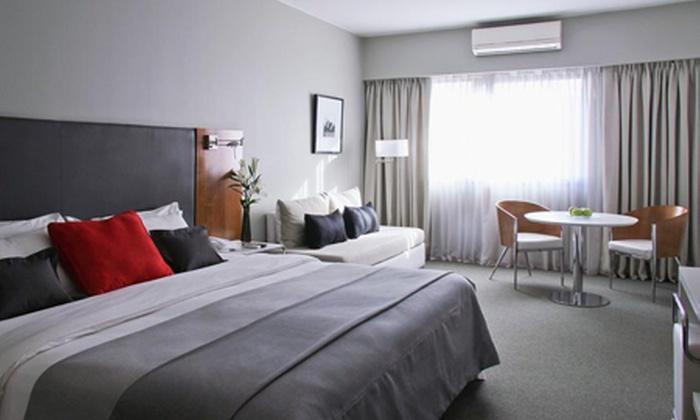 Groupon Travel (Descubre Buenos Aires): Buenos Aires: desde $185.000 por persona en plan doble o triple por 2, 3 o 4 noches en Monserrat Apart Hotel + desayuno + aéreos
