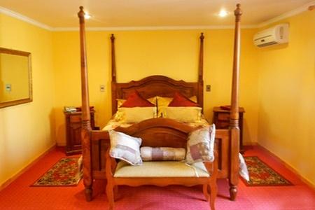 Motel Lancelot: Escapada romántica: paga desde $15.000 por 12 horas en habitación normal o VIP para dos + botella de espumoso + chocolates en Motel Lancelot