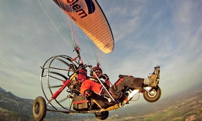 Aventura en Parapente: $25.000 en vez de $65.000 por experiencia en parapente con motor biplaza + clase instructiva con Volar en Parapente