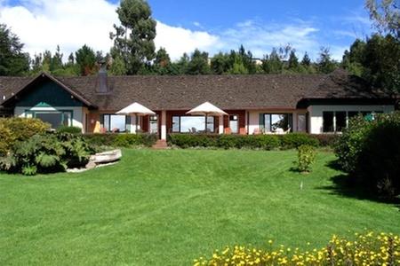 Hostería de la Colina: Paga desde $55.000 por 2 o 3 noches para dos + desayuno + crédito en restaurante con Hostería de la Colina, Villarrica
