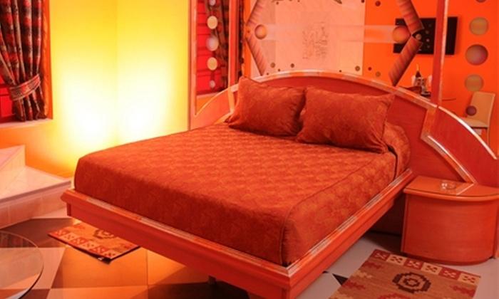 Amor Amor Motel Boutique - Amor Amor Motel Boutique: Escapada Romántica en Santiago: $18.500 en vez de $39.500 por 4 horas en habitación suite + trago de bienvenida + tabla mix en Amor Amor Motel Boutique