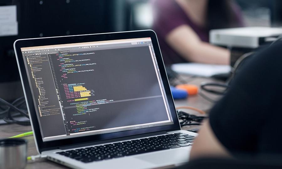 6 Cocos: $630 en vez de $19,479 por curso online de programación web avanzada con 6 Cocos