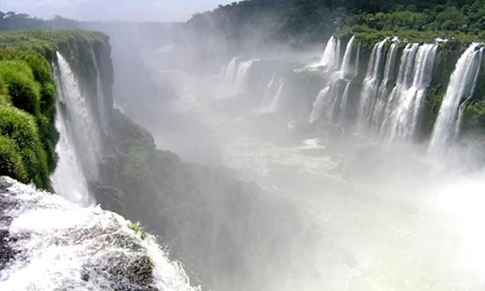 Groupon Travel (Foz de Iguazú): Foz de Iguazú: 5 noches para dos + desayunos + traslados + aéreos + visitas y excursiones pagando desde $245.000 por persona. Elige hotel y fecha de salida