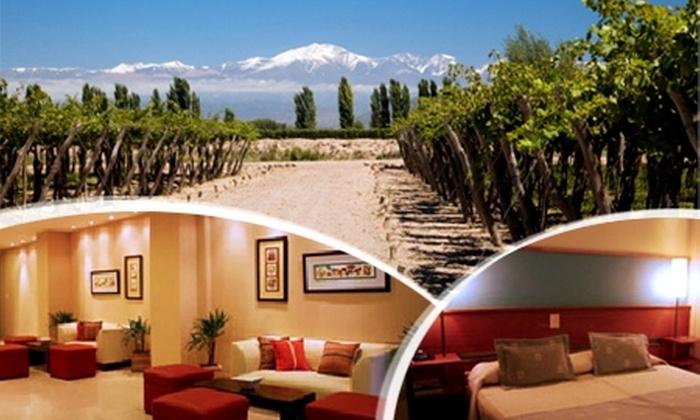 Groupon (Mendoza): 3 días y 2 noches para dos en Mendoza, Argentina + pasajes en bus + traslados por $99.000 p/p
