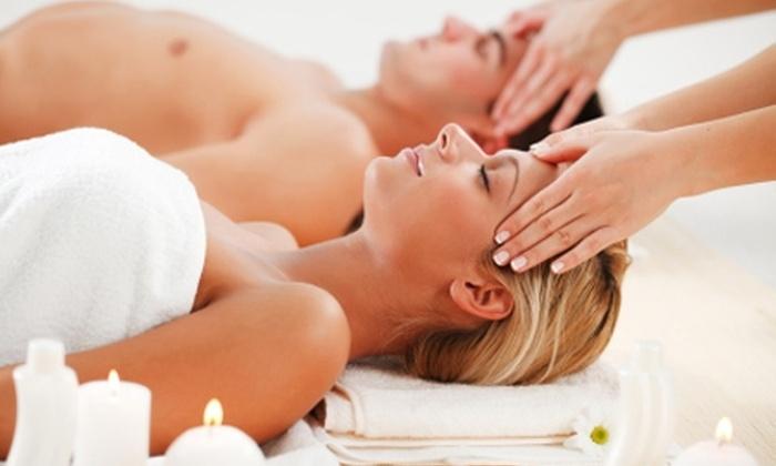 New Change - New Change: $15.990 en vez de $94.000 por sesión de masaje descontracturante, cérvico craneal y de relajación para dos en New Change (83% off)