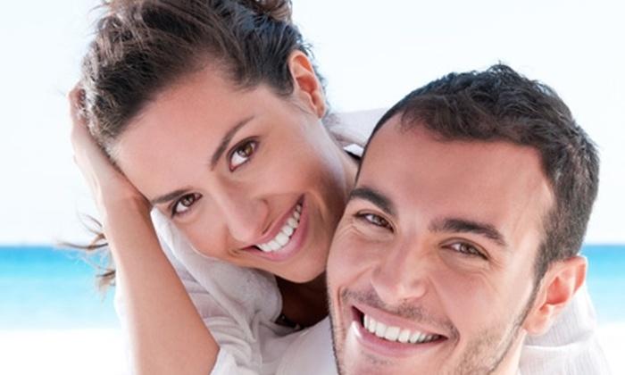 Odontología Cosmética - Odontología Cosmética: $11.900 en vez de $109.000 por limpieza dental con ultrasonido + desmanchado con profilaxis + flúor en Odontología Cosmética (89% off)