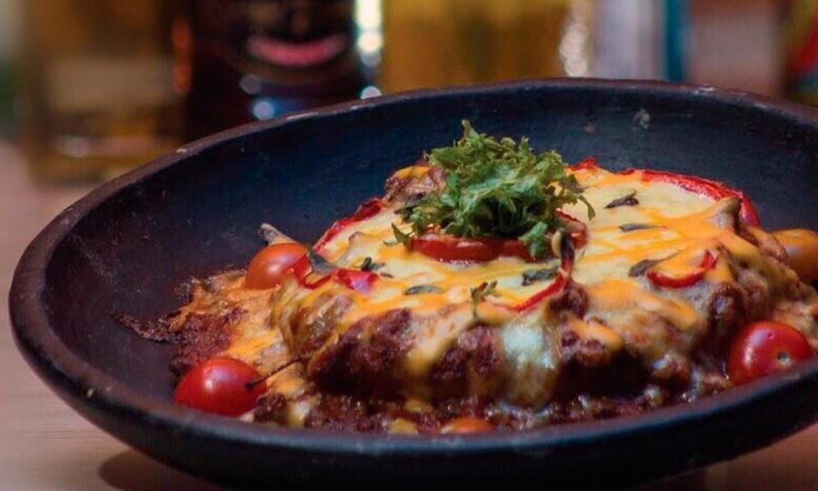La Terna Bar Restaurante: Entrada para compartir + platos fuertes + bebidas para 2 o 4 personas enLa Terna Bar Restaurante
