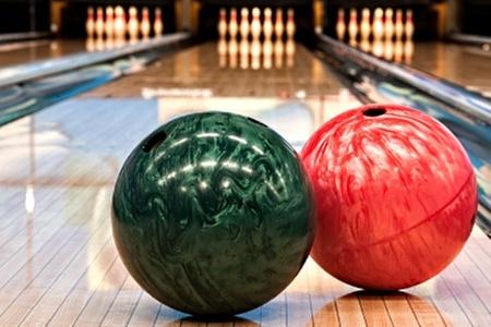 JapiMax: $4.000 en vez de $8.000 por hora de bowling para dos + zapatos en JapiMax. Elige sucursal