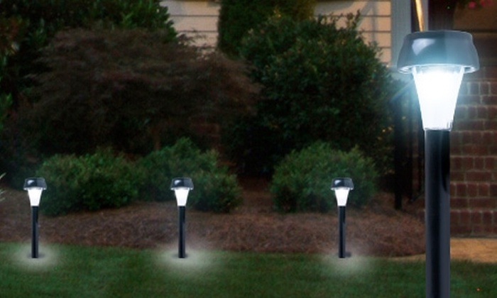 Groupon Shopping (estacas solares led): $7.990 por pack de 5 estacas solares led con despacho