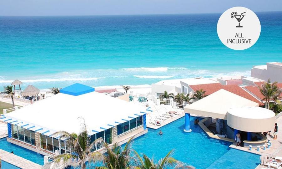 Solymar Cancun Beach & Resort: 2, 3, 4, 5 o 7 noches para dos + 2 menores con todo incluidoen Solymar Cancún Beach & Resort