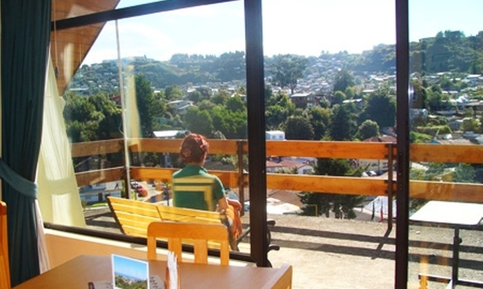 Hotel Seminario - Hotel Seminario: Paga desde $42.400 por 2 o 3 noches para dos + desayuno + tina de agua caliente en Hotel Seminario, Puerto Montt