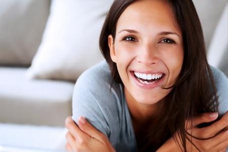 Clínica Odontológica Oralcenter: $350.000 en vez de $700.000 por tratamiento de implante dental con Clínica Odontológica Oralcenter