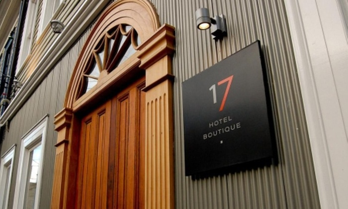 Hotel Boutique 17 - Hotel Boutique 17: Paga desde $53.710 por 1 o 2 noches en Valparaíso para dos + welcome drink + tabla de quesos + desayuno buffet en Hotel Boutique 17. Elige días de estadía