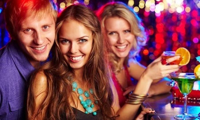 Bembos: Paga desde S/.46.90 por 2 rondas de tragos + piqueo para dos o whisky Johnnie Walker + piqueo para cuatro en Milenium Karaoke