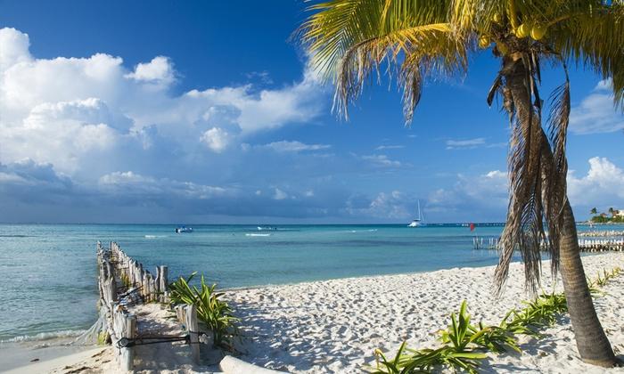 Groupon Travel (Cancún): Cancún: desde $639.000 por persona por 5 o 7 noches para dos en Radisson Hotel Hacienda + aéreos