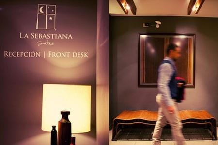 La Sebastiana Suites: $59.200 en vez de $129.108 por noche romántica + desayuno buffet + botella de vino espumoso en La Sebastiana Suites, Las Condes