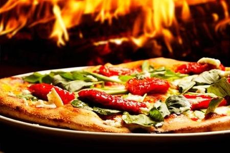 Go and Enjoy: $5.990 en vez de $11.980 por maratón de pizzas gourmet a la piedra para dos en restaurante La Barquera en Casino Rinconada de Enjoy Santiago