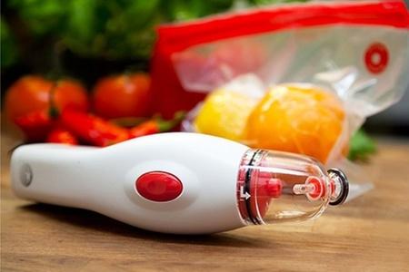 Groupon Shopping (sellador B-Fresh®): Paga desde $29.990 por sellador al vacío B-Fresh® + bolsas en tamaño a elegir + 5 tapones para botellas de vino. Incluye despacho