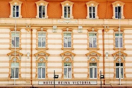 Hotel Reina Victoria: Valparaíso: Paga desde $30.000 por 1 o 2 noches para dos en habitación premium o matrimonial estándar + desayuno en Hotel Reina Victoria