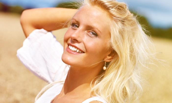 Sublime Cosmetología - Sublime Cosmetología: Desde $9.900 por 1 o 3 visitas de rejuvenecimiento facial que incluye ácido glicólico + dermoabrasión con puntas de diamantes + máscara blanqueadora + masaje con efecto tensor en Sublime Cosmetología (hasta 77% off)