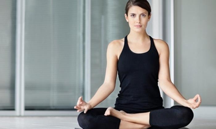 Escuela de Yoga Simran Kaur - Escuela de Yoga Simran Kaur: Paga desde $9.100 por 8 o 16 clases de yoga en Escuela de Yoga Simran Kaur (hasta 80% off)