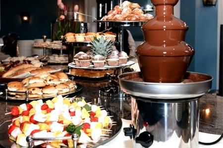 Groupon Shopping (cascada de chocolate): $23.990 en vez de $39.990 por cascada de chocolate de 3 pisos con despacho