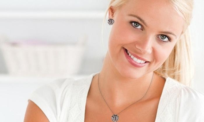 Azzia Joyas: Paga $14.990 por colgante + aros con cristales SWAROVSKI ELEMENTS en Azzia Joyas con despacho. Elige el modelo