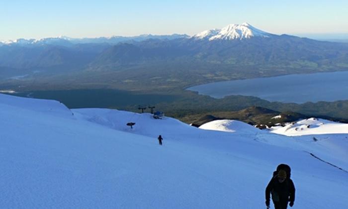 Teski Refugio Volcán Osorno: Paga desde $32.000 por 2 o 3 noches para dos + $10.000 en créditos para tinas de agua caliente con Teski Refugio Volcán Osorno. Elige días de la semana