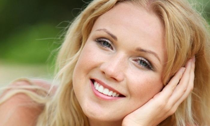 Alexandra Montero Estética - Alexandra Montero Estética: $20.000 en vez de $63.000 por rejuvenecimiento facial con microdermoabrasión + alta frecuencia + limpieza en Estética Alexandra Montero