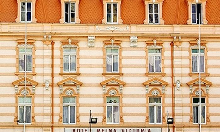 Hotel Reina Victoria - Hotel Reina Victoria: Paga desde $37.600 por 1 o 2 noches para dos en habitación premium o matrimonial + desayuno en Hotel Reina Victoria, Valparaíso