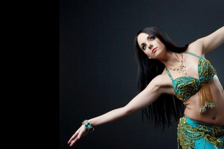 Farah Bellydancer: $3.750 en vez de $15.000 por 4 clases de danza árabe en Farah BellyDance (75% off)