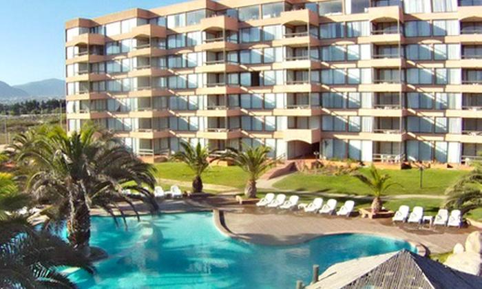 Hotel Club La Serena - Hotel Club La Serena: Paga desde $79.990 por 2 noches para dos en habitación estándar doble o suite + desayuno buffet en Hotel Club La Serena