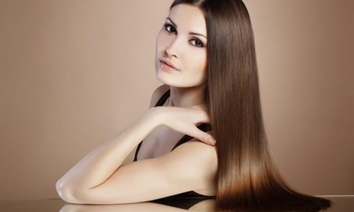 De Ramo Hair Studio - De Ramo Hair Studio: Paga desde $25.000 por alisado de keratina de chocolate con opción a spa de manos en De Ramo Hair Studio