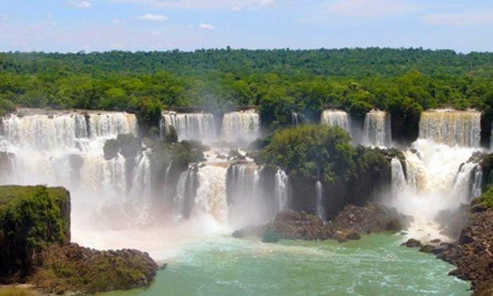 Groupon Travel (Foz de Iguazu): Foz de Iguazú: paga desde $269.000 por persona por 5 noches para dos + desayunos + aéreos + traslados + visitas y excursiones. Elige hotel