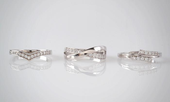 Cenzano: $329.990 en vez de $700.000 por anillo de compromiso de oro blanco y diamantes en Cenzano. Elige diseño