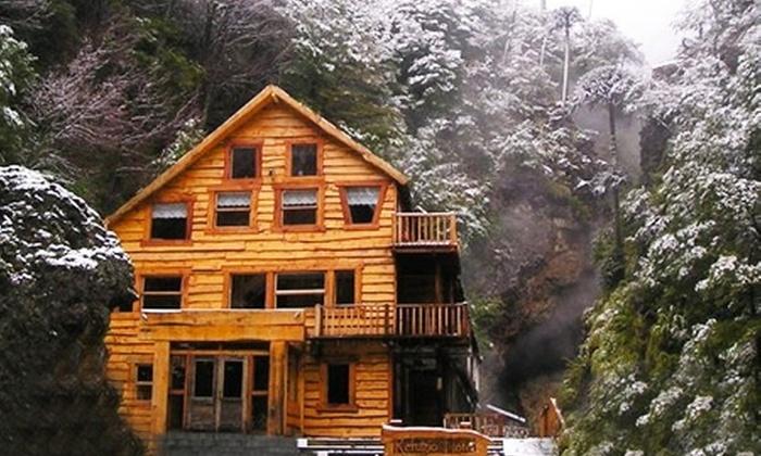 Termas Tolhuaca: $111.000 en vez de $222.000 por 2 noches para dos en refugio de montaña El Notro en Termas Tolhuaca. Elige fecha