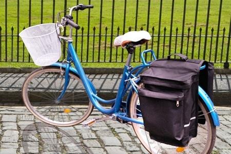 The Bike House: $14.450 en vez de $28.900 por alforja doble para bicicleta en The Bike House. Elige color negro, azul o rojo