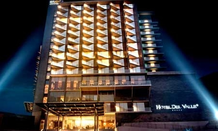 Enjoy - Enjoy: Escapada romántica: $49.500 en vez de $99.000 por noche para dos en Hotel del Valle + 2 tragos en bar casino con Enjoy Santiago