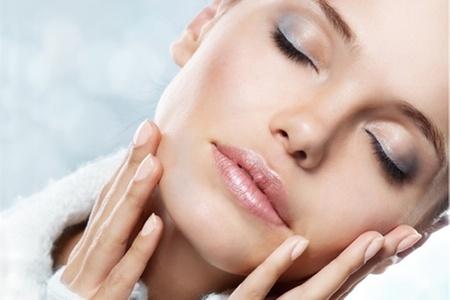 Jkrear Belleza: Paga desde $8.740 por manicure + ondulación y tinte de pestañas con opción a masaje de relajación en Jkrear Belleza