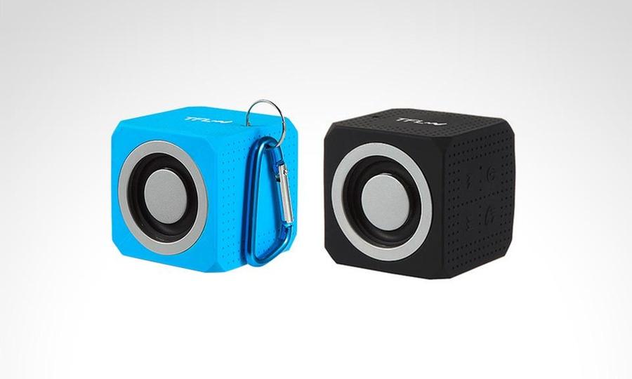 Shopping México: Bocina Wet Cube resistente al agua recargable marca TFL en color a elegir. Incluye envío